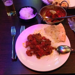 Chicken tika marsalla, steamed rice, garlic nan! Kingfisher...aye carumba!
