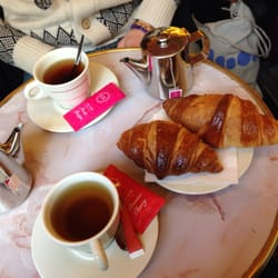 Croissants et thés!