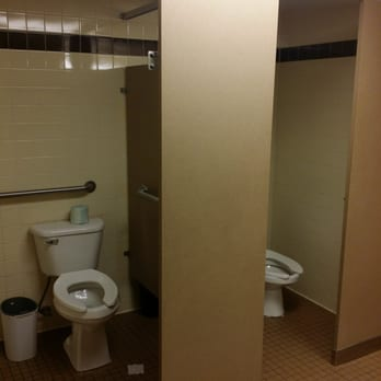 Village inn 17 photos american restaurants midtown for Bathroom smells bad