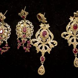 Doulys Jewelry logo