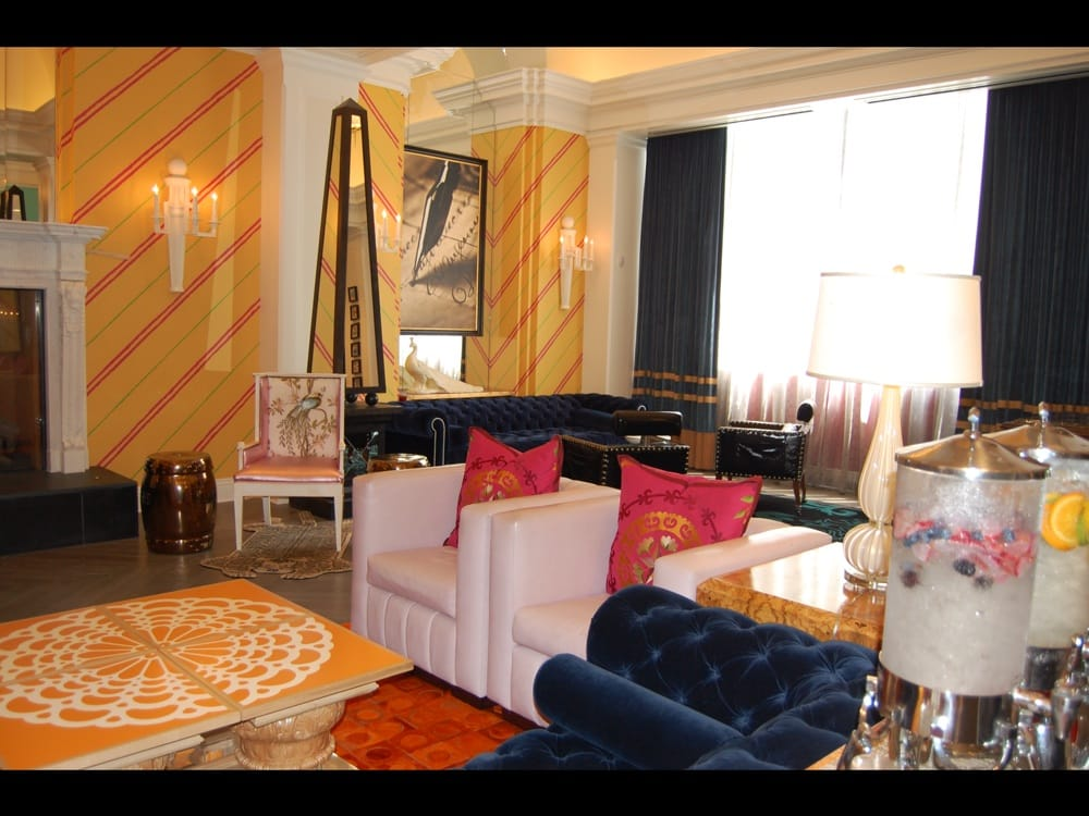 Hotel Monaco Philadelphia, a Kimpton Hotel - Philadelphia, PA, États-Unis. Loved this hotel.  Our first trip to Philadelphia was absolutely top-notch.  What a wonderful place in Historic Old City.