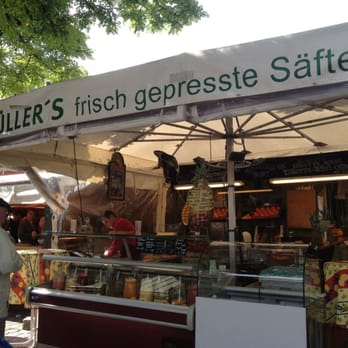 Müller's juice stand