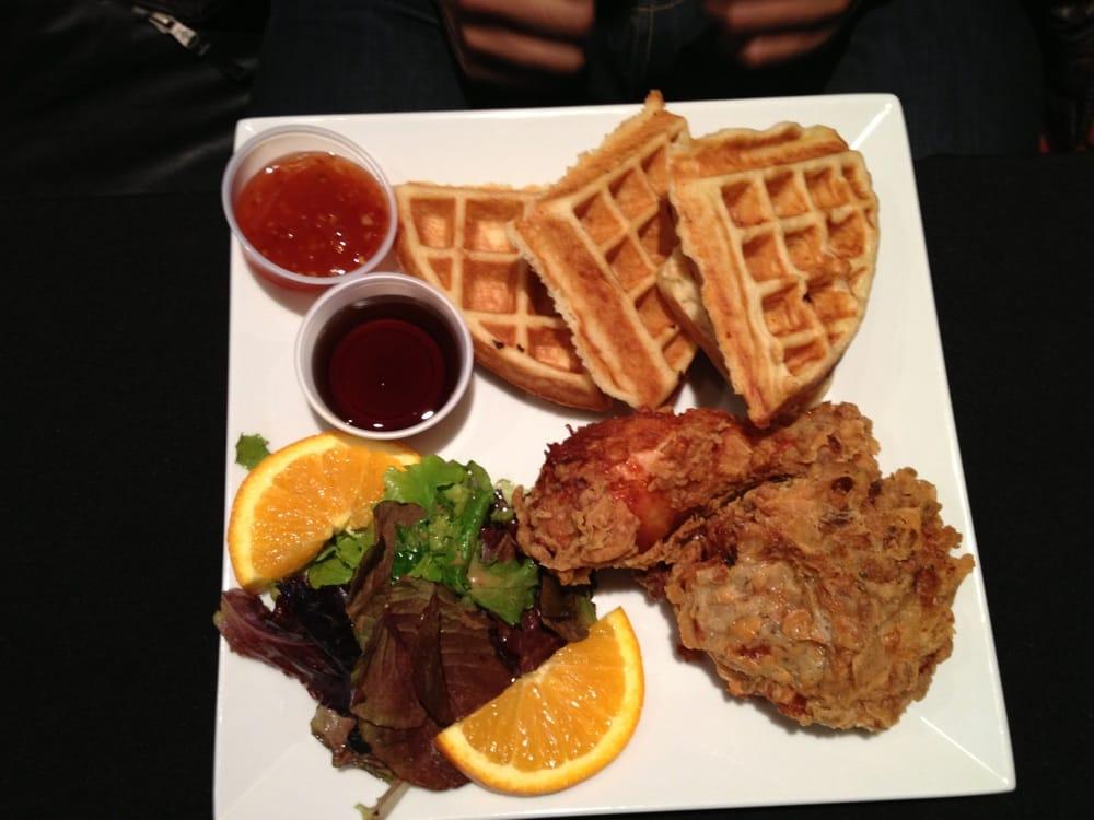 Harlem restaurant 141 fotos soul food corktown for Harlem food bar yelp