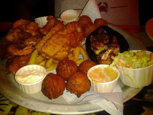 The Big In the clear Up Platter At Joes Crab Shack
