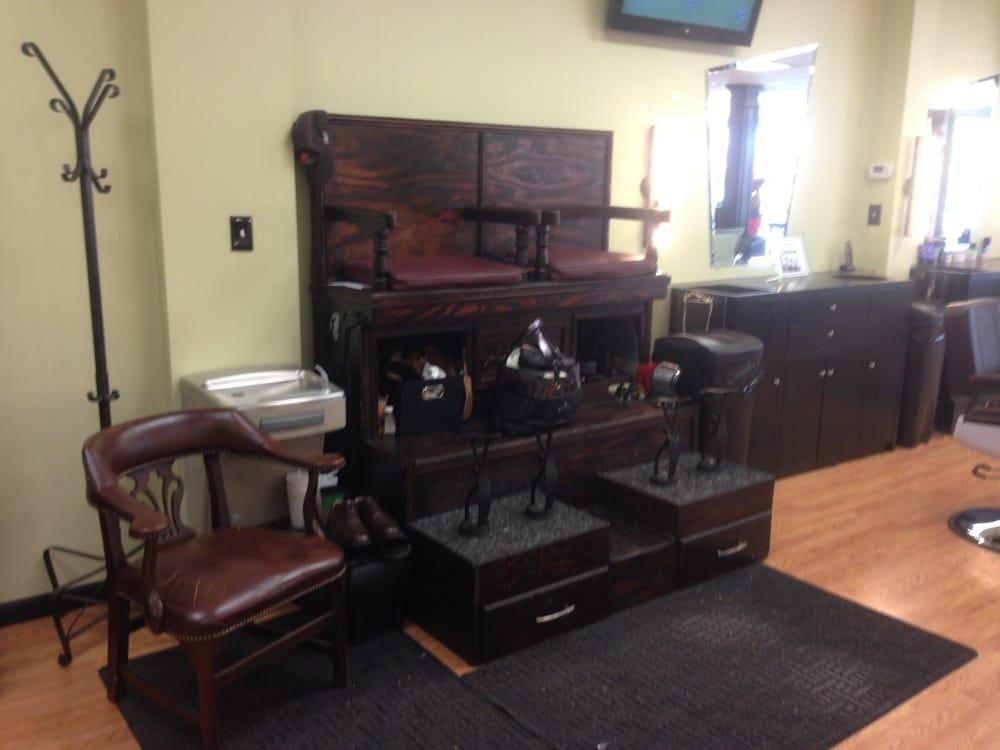 Barber Lounge : Parkside Barber Shop & Grooming Lounge - Glen Allen, VA, United States