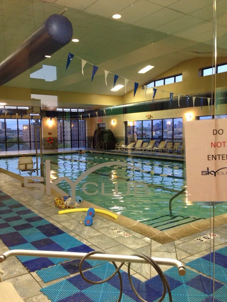 Sky club fitness spa swimming pools 125 marshall st for Outdoor pools in nj
