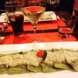 Cacio e Peppe - Paris, France. Ravioli aux épinards et Ricotta avec sauce pesto revisitée