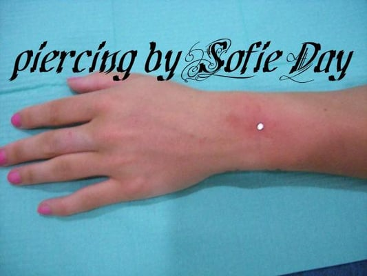 Sofie day temporary henna colour tattoo artist london for Henna tattoos locations