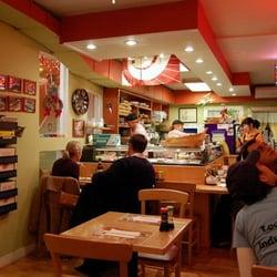 Momo Sushi & Cafe logo