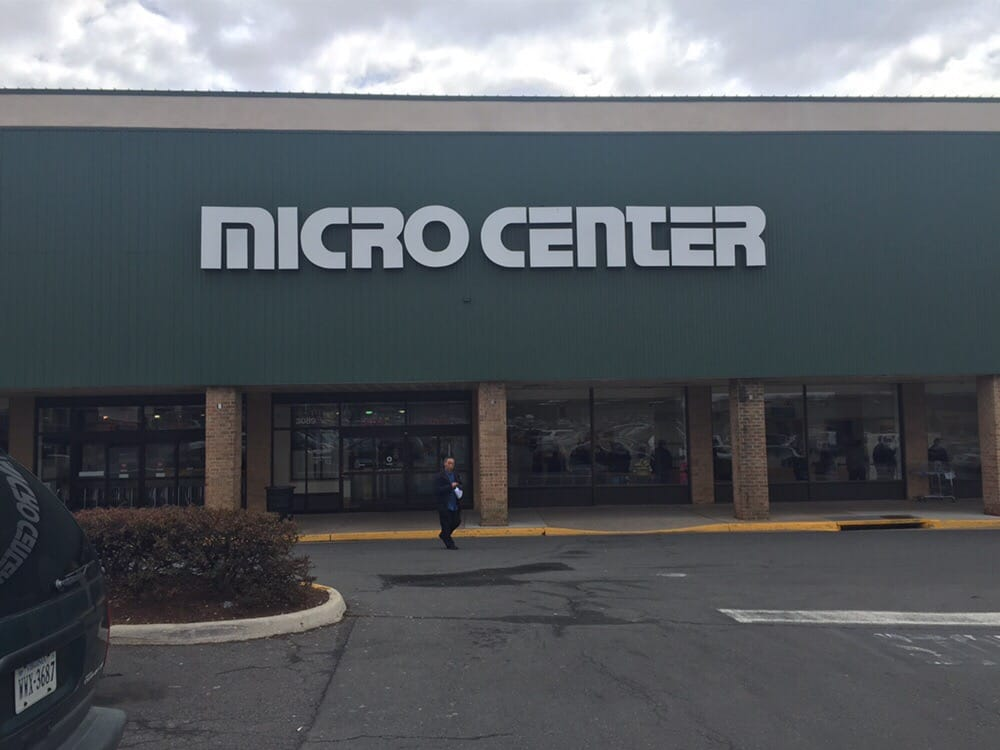 Micro Center is passionate about providing product expertise and exceptional customer service at each of our locations. Visit your local Overland Park Micro Center store at Metcalf Avenue in the Regency Park Shopping Center or order online and pickup in-store within 18 minutes.