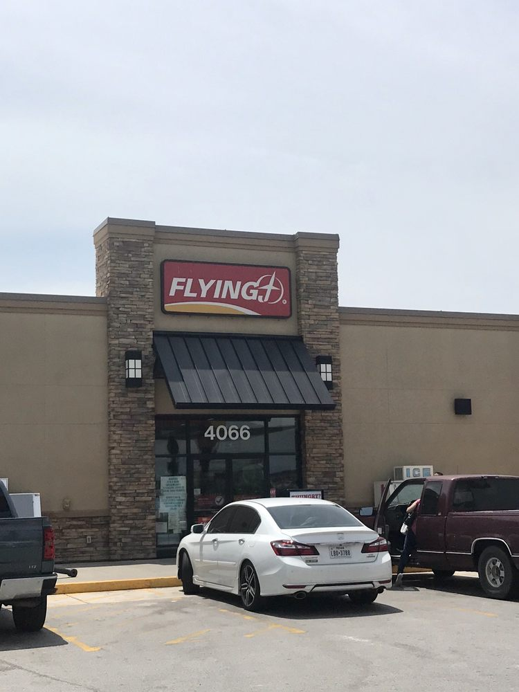 Flying J Travel Center: 4066 US-59, George West, TX