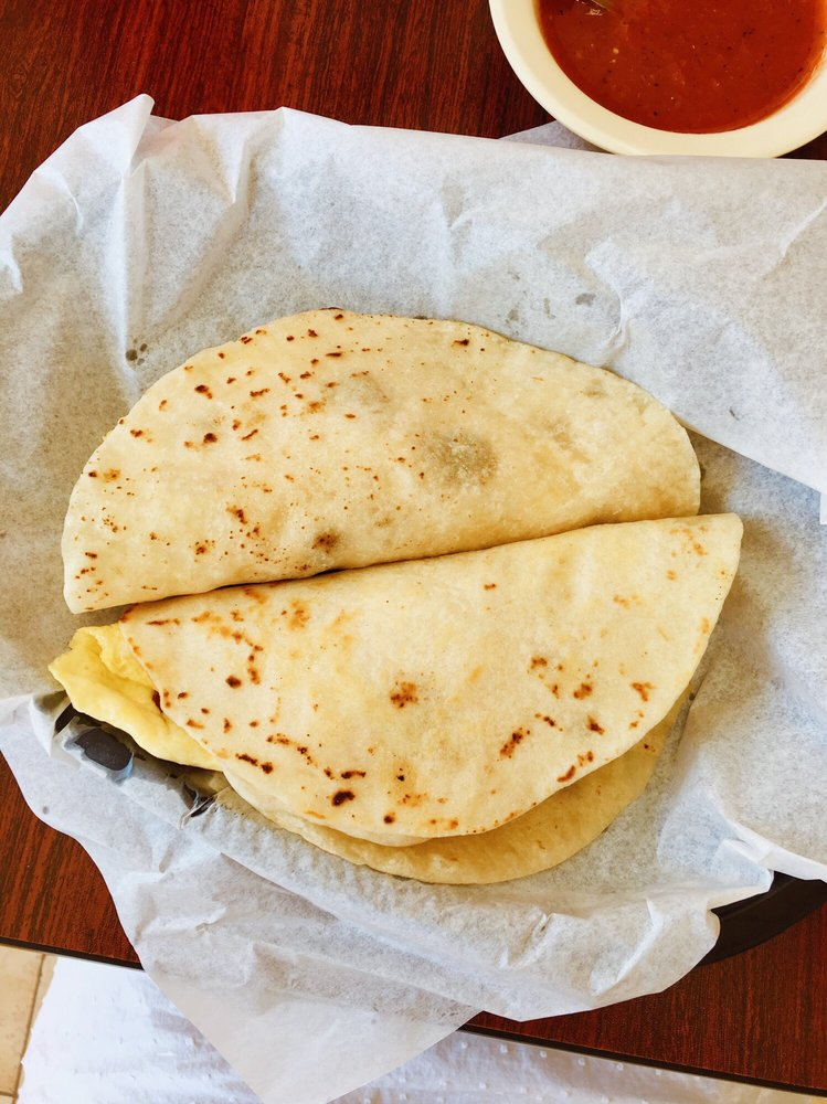Hermanos Taqueria & Bakery: 1002 NW River Rd, Martindale, TX