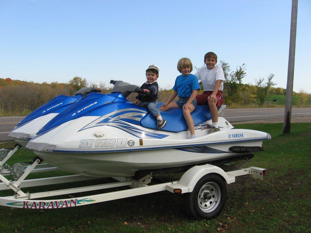 Bremer Jet Ski & Watercraft Rental: 7809 County Road 8 NW, Maple Lake, MN