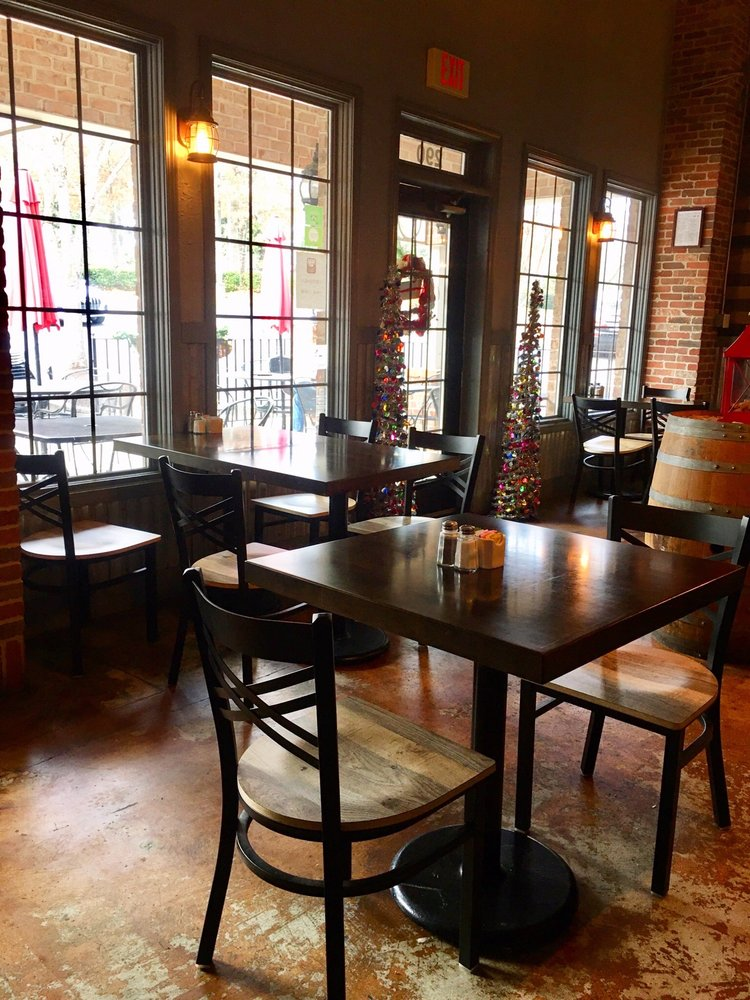Grinds and Wines: 290 Hwy 74 N, Peachtree City, GA