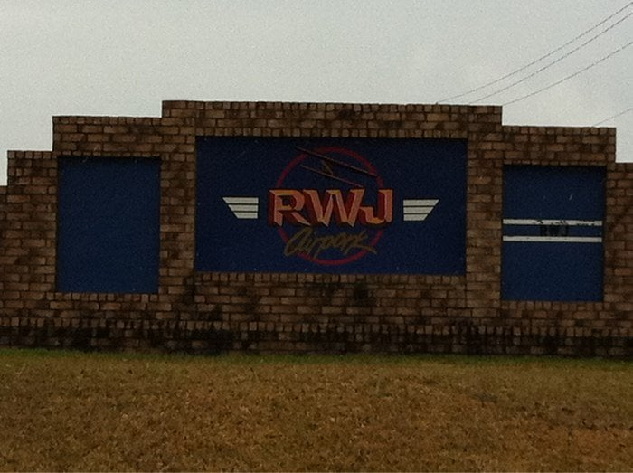 R W J Airpark: 15111 Lakeview Dr, Baytown, TX