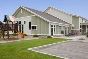 GrandStay® Hotel & Suites Pipestone: 915 7th St SE, Pipestone, MN