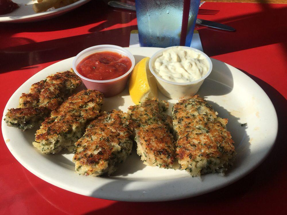 Gentleman Gene's A Pub & Eatery: 1400 Parker Way, Mount Vernon, WA