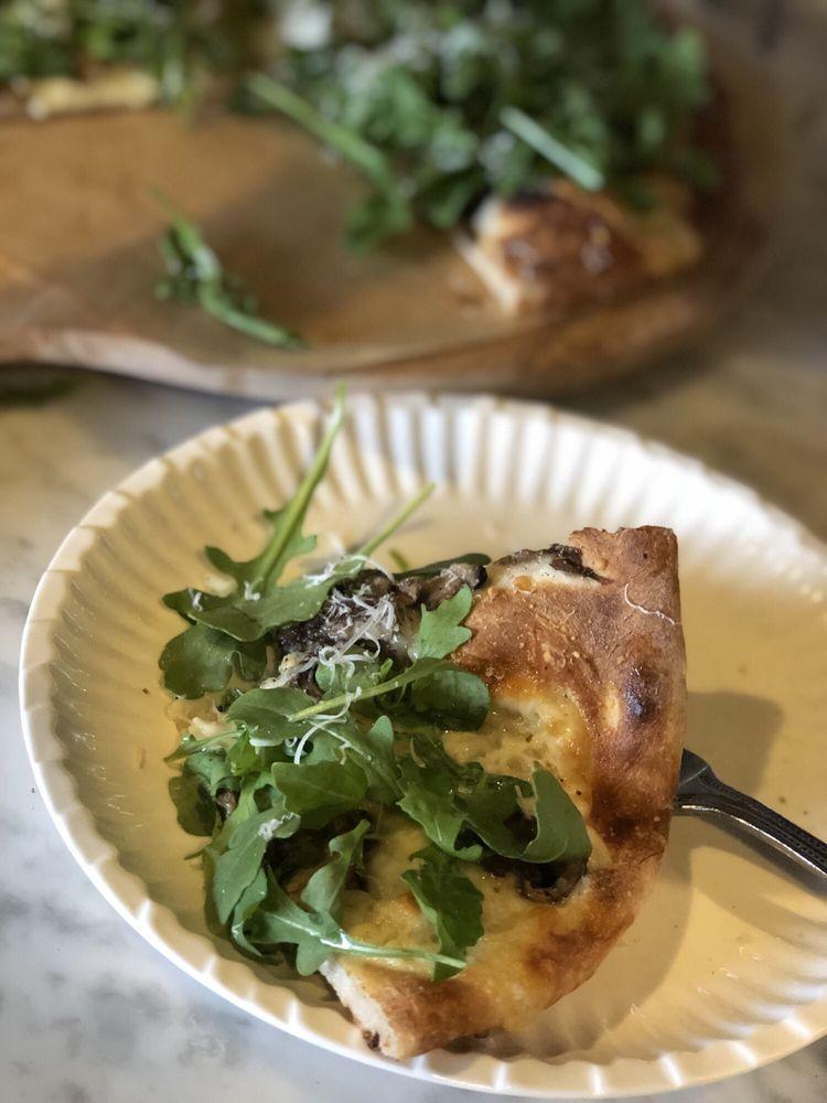 Tre Pizza, Pasta, Beer Garden: 1048 Cedarbridge Ave, Brick Township, NJ