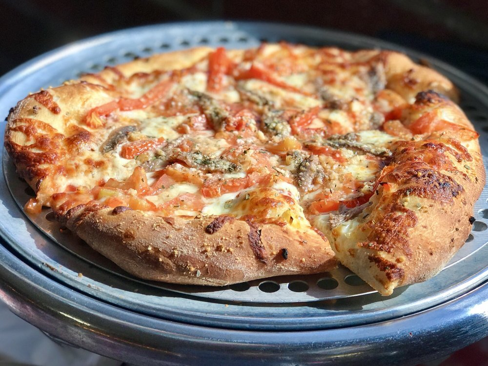 Gianni's Pizza: 725 Lighthouse Ave, Monterey, CA