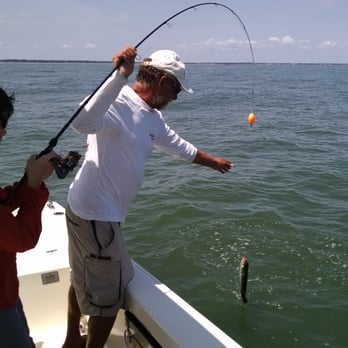 Bayrunner fishing charters fishing 1a shelter cove ln for Red fish hilton head sc