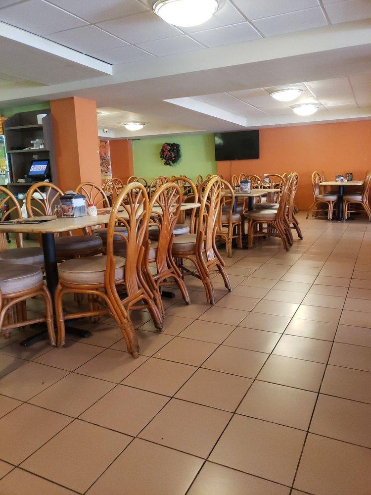 Faccio: Av. Munoz Marin S/N, Caguas, PR