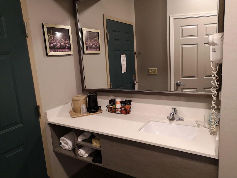 Quality Inn: 1881 Evelyn Byrd Ave, Harrisonburg, VA