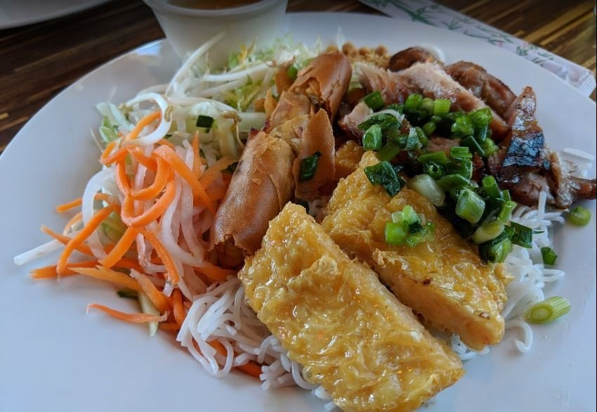 T-Pho Noodle and Grill: 10664 Sierra Ave, Fontana, CA