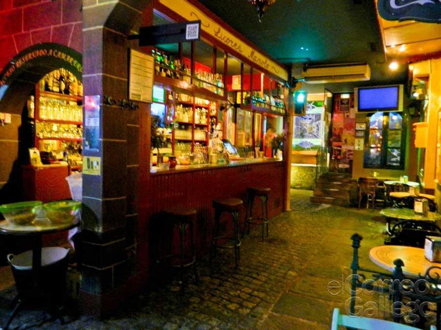 Fotos de pub momo yelp for Cerrajeros santiago de compostela