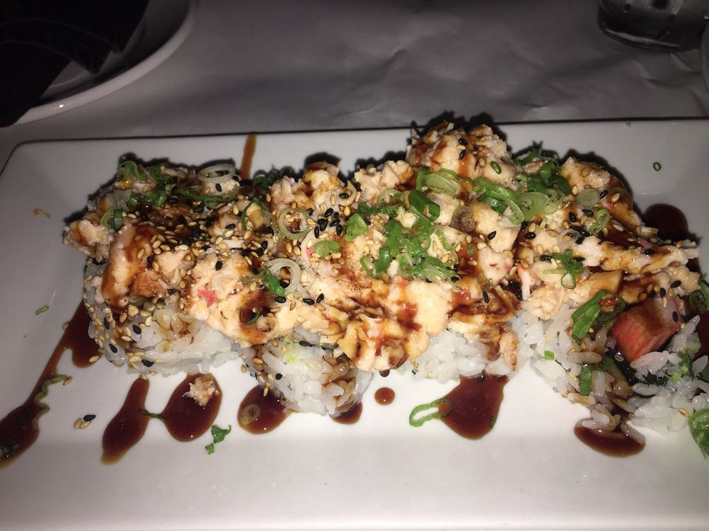Volcano roll the best volcano in miami so delicious yelp for Nove kitchen and bar