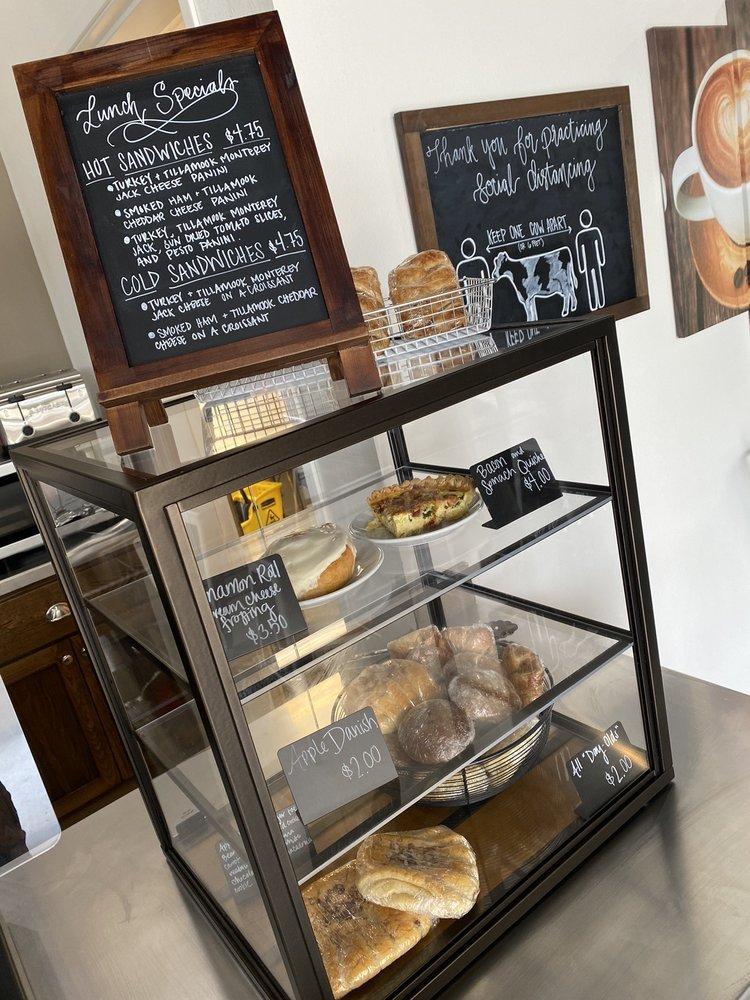 Cafe Moo: 701 N 5th St, Lebanon, OR