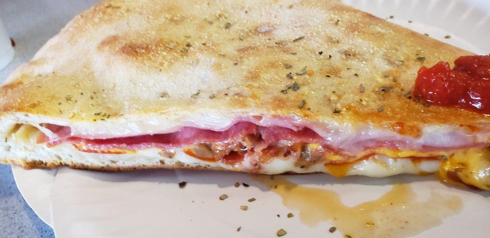 Casa Mia Pizzeria: 2200 Gum Branch Rd, Jacksonville, NC