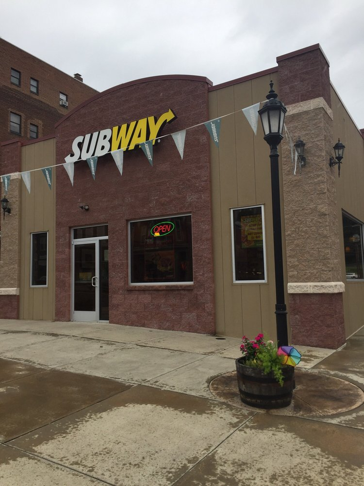 Subway Restaurants: 801 Centre St, Ashland, PA