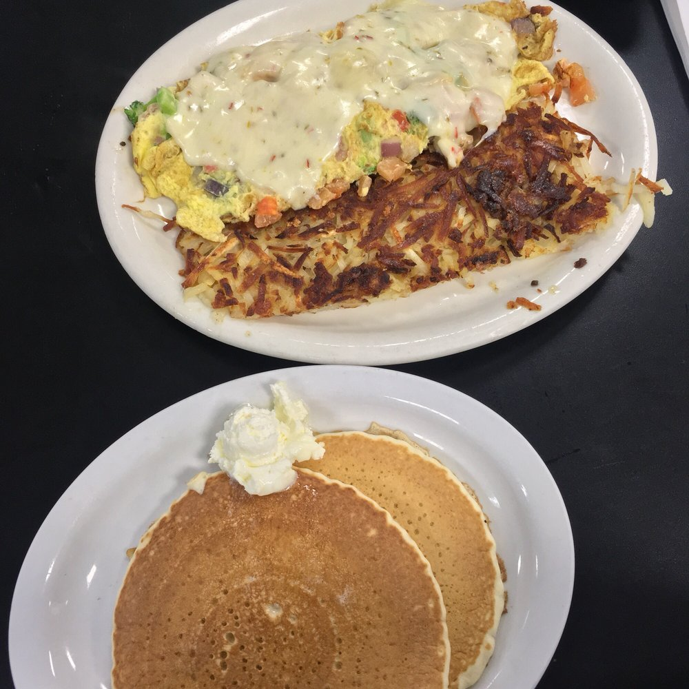 Chubby's Diner: 265 W Louise Ave, Manteca, CA