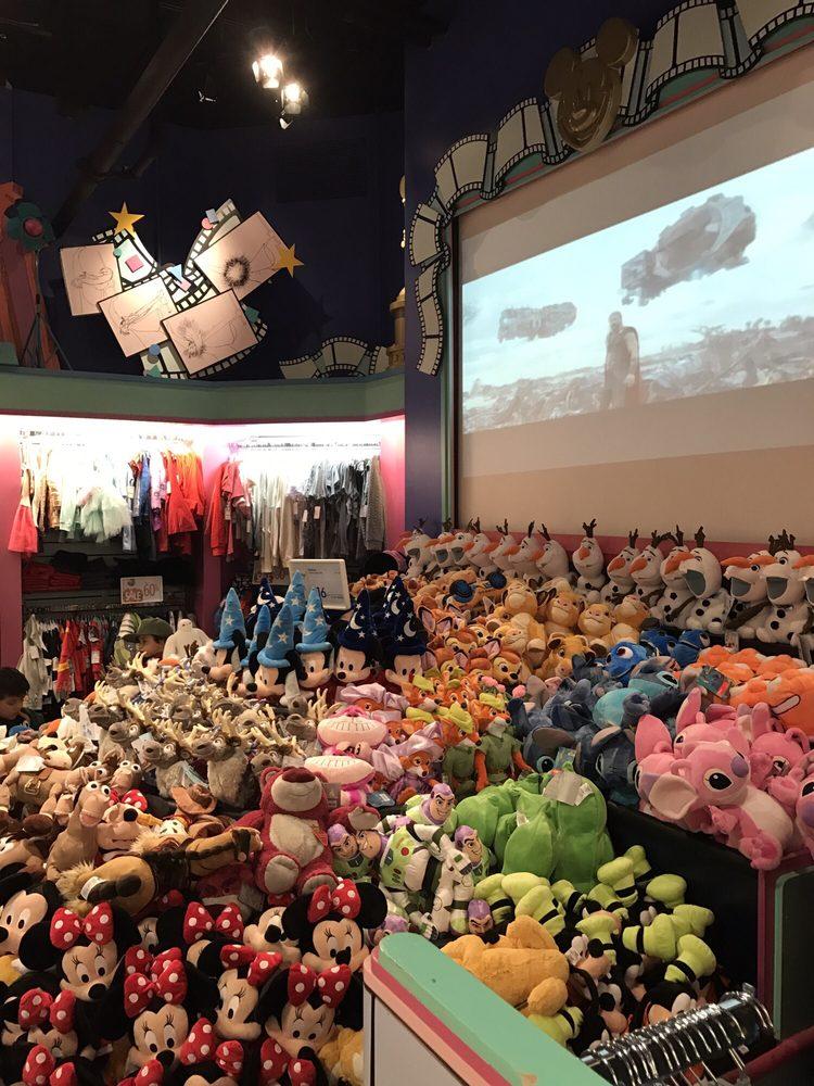 Disney Store: 2300 E Lincoln Hwy, Langhorne, PA