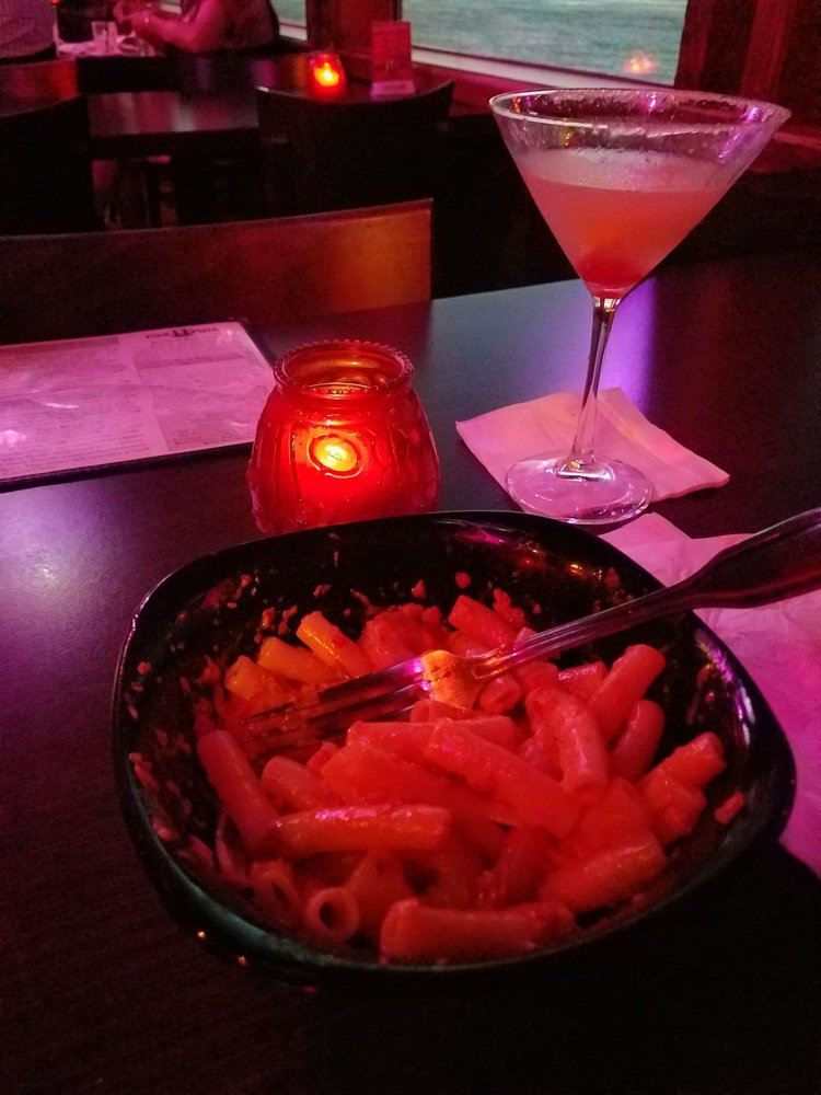 Inferno Lounge: 77 11th St, Astoria, OR