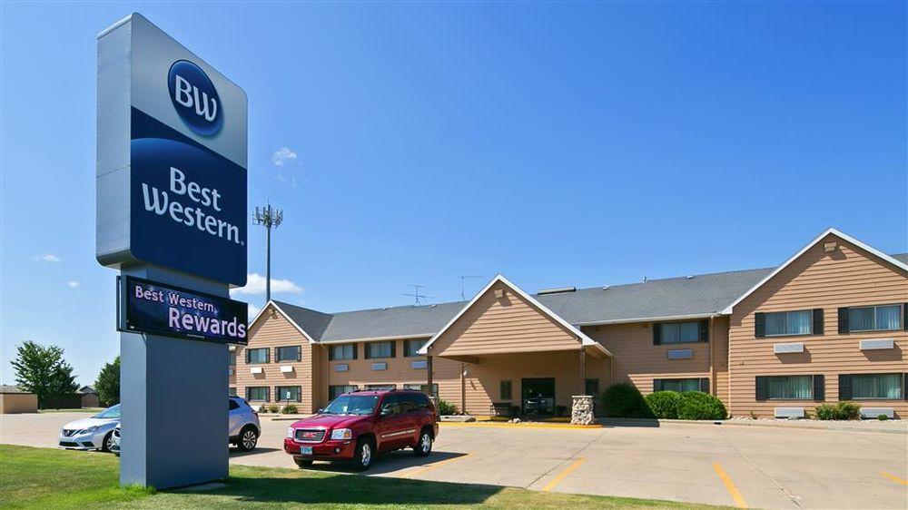 Best Western Vermillion Inn: 701 W Cherry St, Vermillion, SD