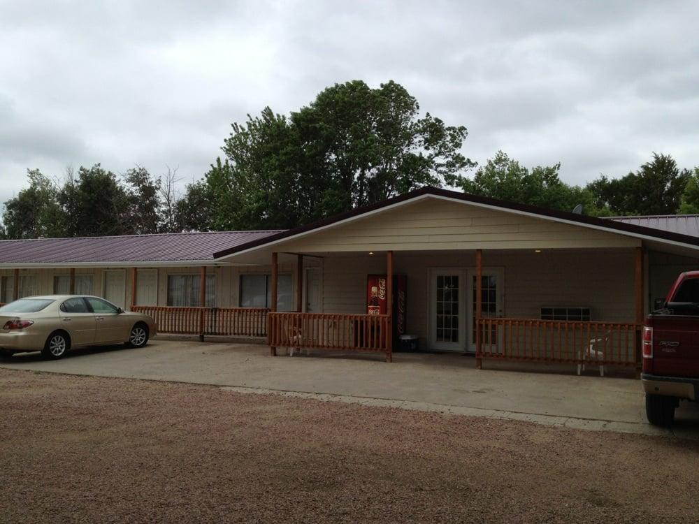 Oak Creek Inn: Butte, NE