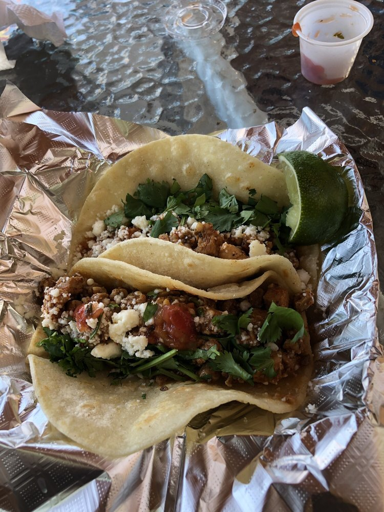 Small Moutain Street Tacos: 172 East Lake Dr, Medicine Park, OK