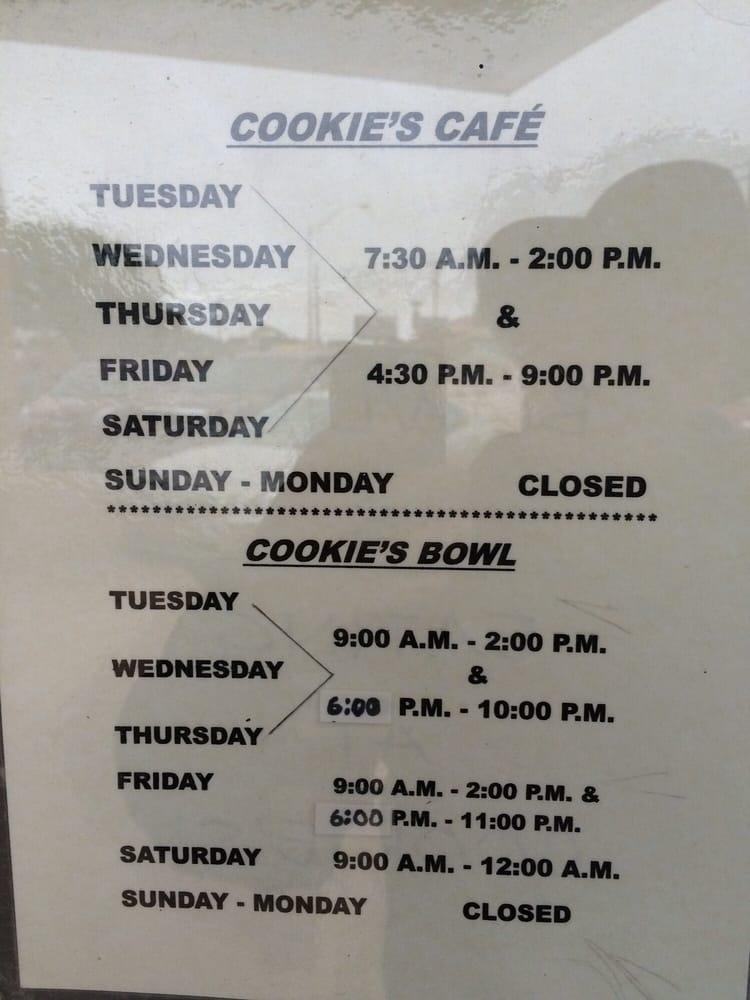 Cookie's Bowl & Café: 206 E Oklahoma Blvd, Alva, OK