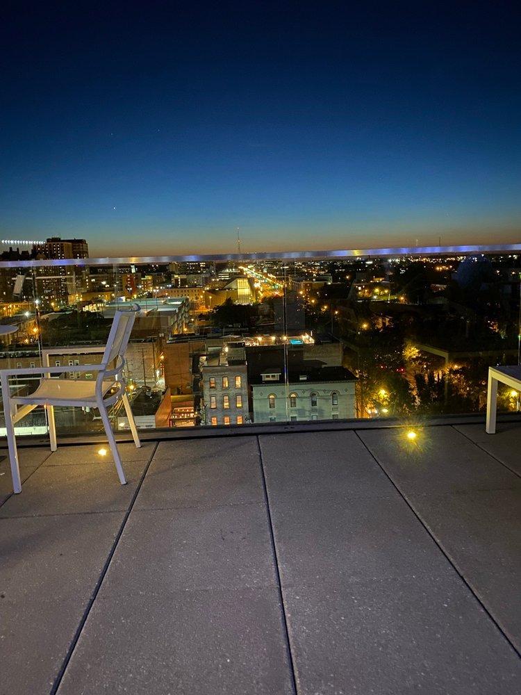 Q Rooftop Bar
