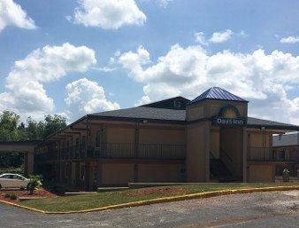 Days Inn by Wyndham Lavonia: 13705 Jones St, Lavonia, GA