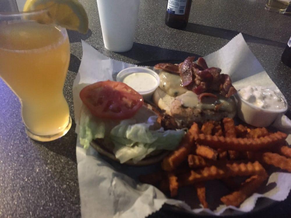 Sidetrax Bar & Grill: 441 E Main St, Galesburg, IL