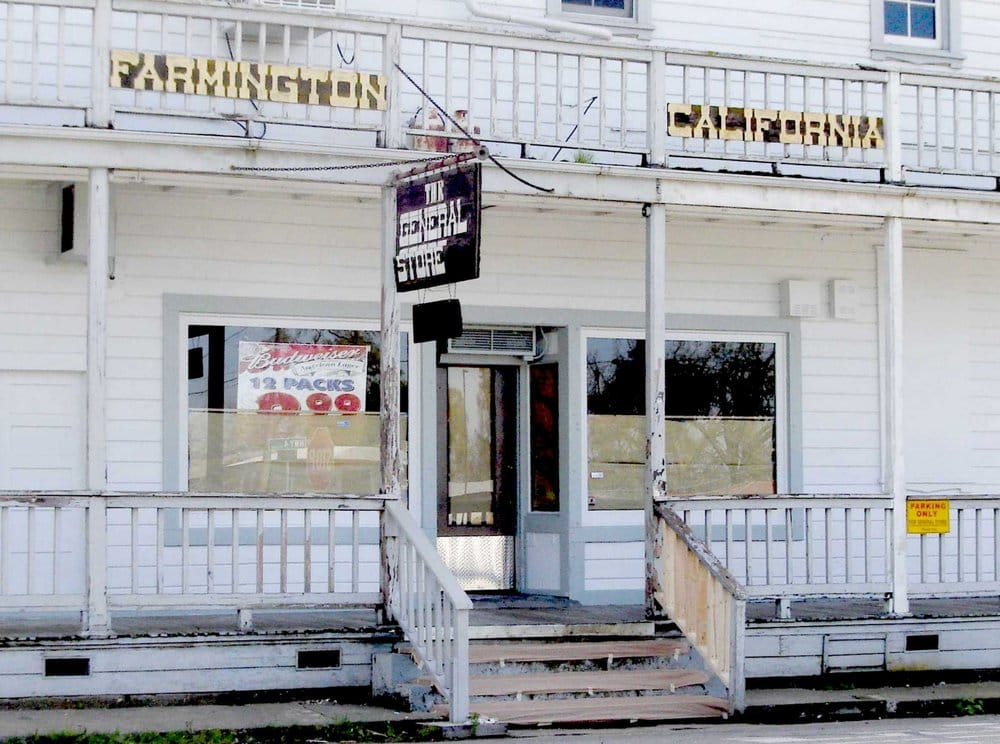 Farmington General Store: 25520 E Hwy 4, Farmington, CA