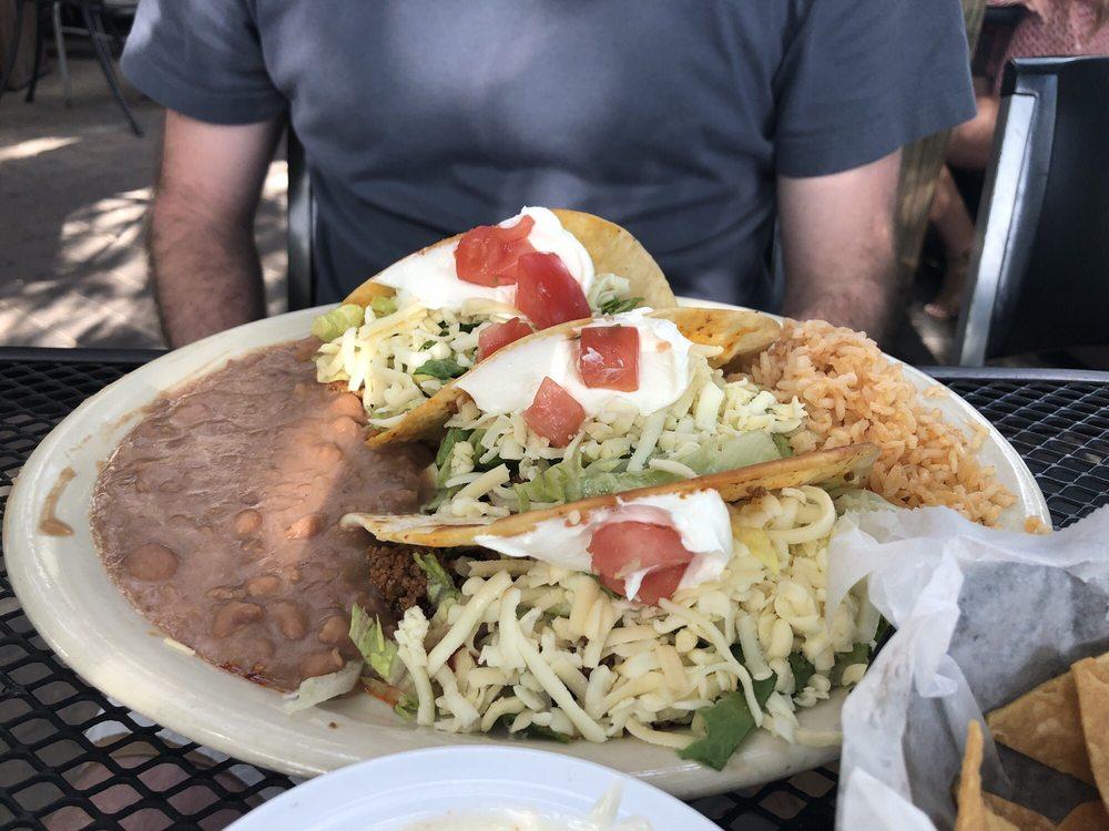 Santi's Restaurante Mexicano