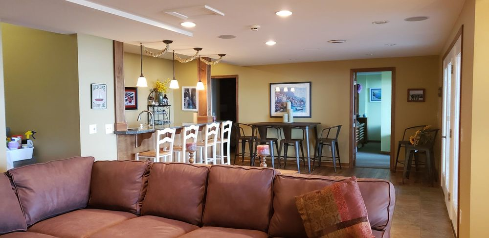 Easy Breezy Cleaning Services: Manistee, MI