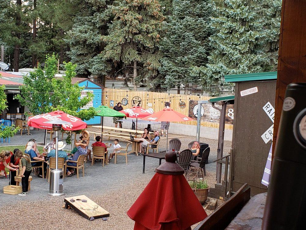 The Lion's Den Bar & Grill: 2408 E White Mountain Blvd, Pinetop, AZ