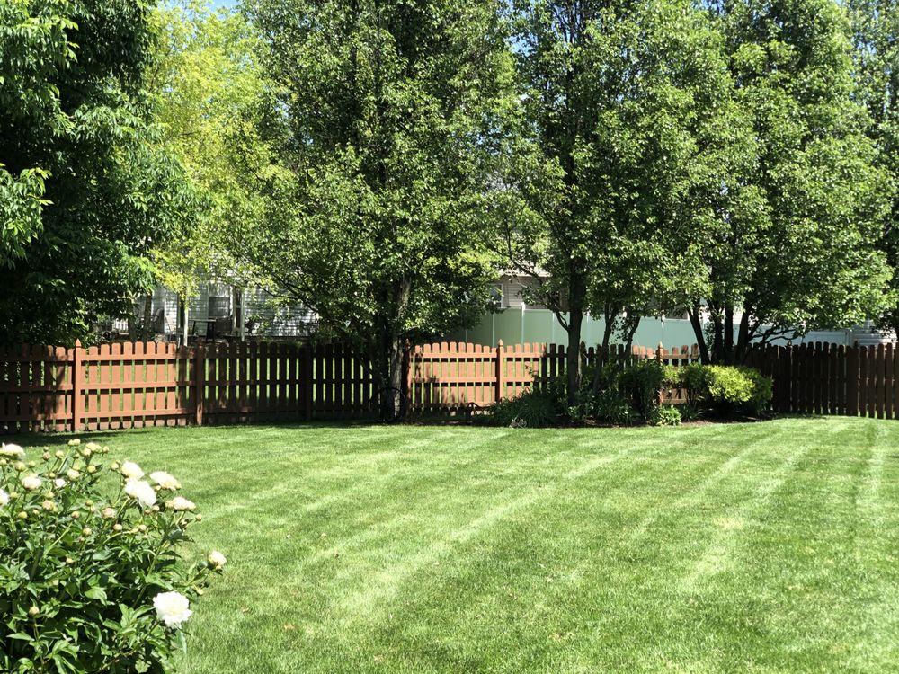 Bella Green Lawn Care: Montgomery, IL