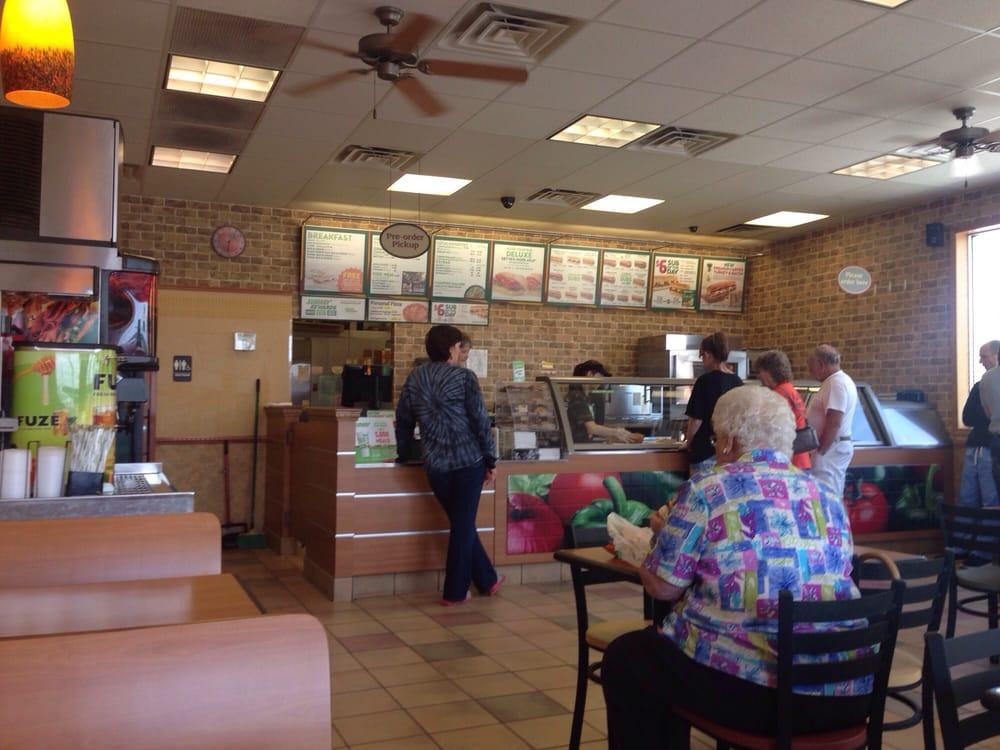 Subway Restaurants: 166 Chamber Dr., Anamosa, IA
