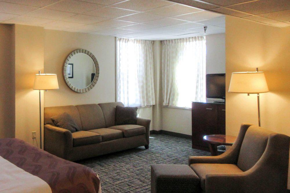 Quality Inn & Suites: 502 Chestnut St, Virginia, MN