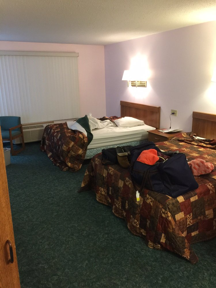 Baudette Motel: 309 W Main St, Baudette, MN